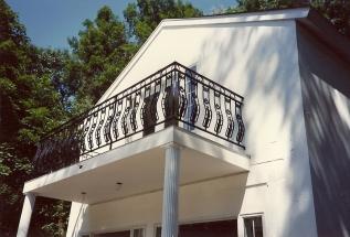 balcony_rail